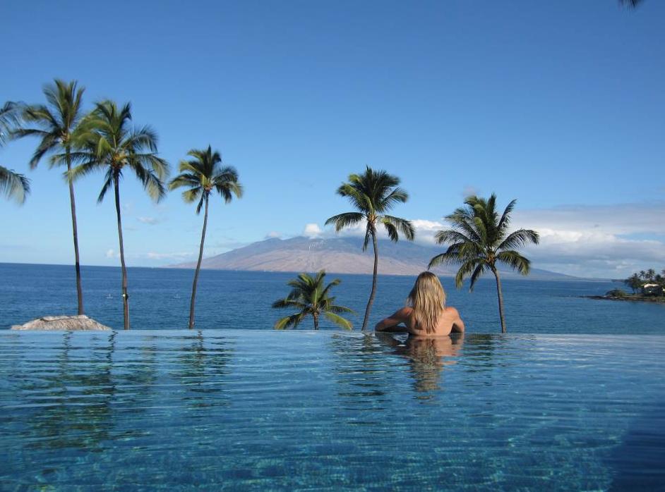 Honeymoon in hawaii uk wedding blog so you39re getting for Best hawaii island for honeymoon
